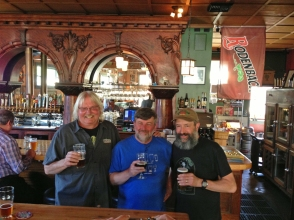At Beveridge Place pub with Steve Dressler, Brewmaster for Sierra Nevada (left) and Gary of Beveridge.